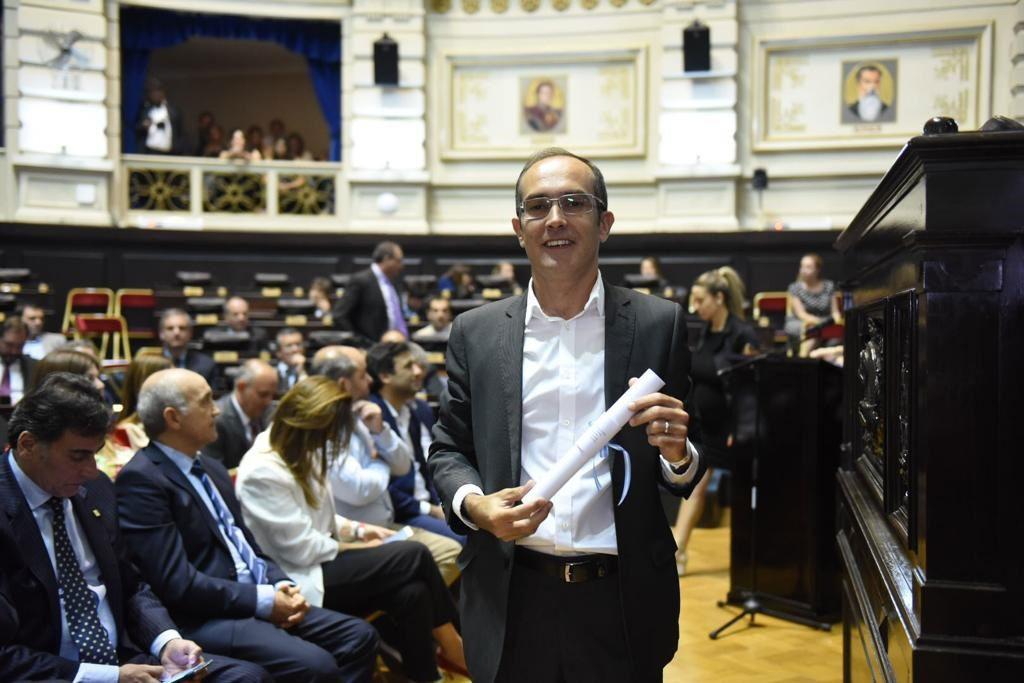 Marcos Pisano recibió el diploma de intendente electo