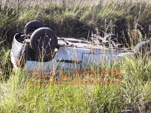 25 de Mayo; Se produjo el vuelco de un automóvil en un camino rural