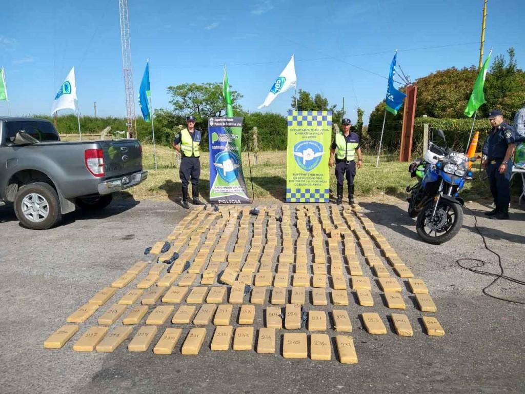 Policía de Alvear participó de un operativo de rutina donde se secuestraron más de 300 ks de marihuana