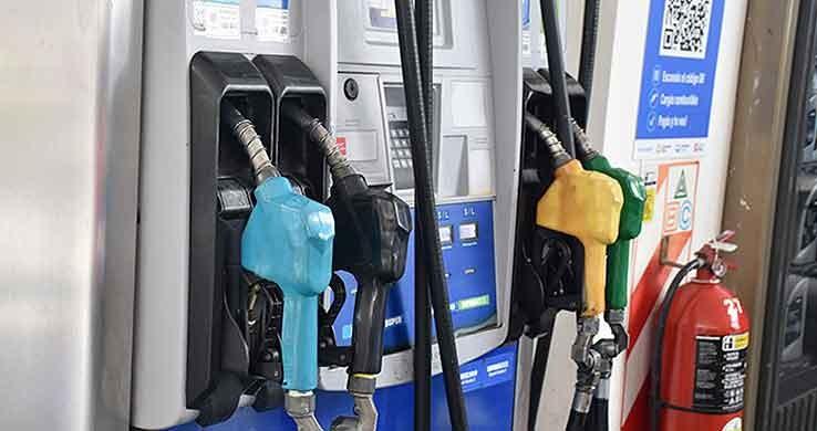 Nacionales: El Gobierno suspendió el aumento del 5% en el precio de los combustibles