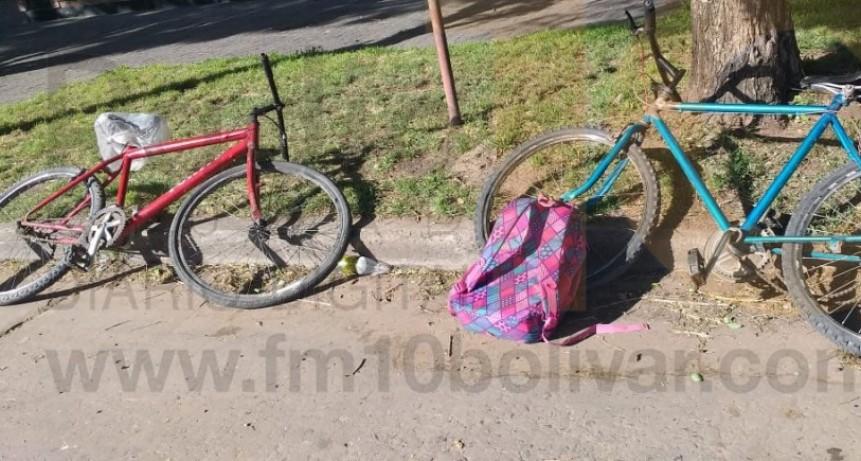 Ciclistas hospitalizados por precaución tras accidente sobre Av. 9 de Julio