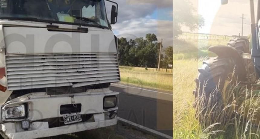 Impacto entre un camión y un tractor sobre Ruta 226 km 381; solo daños materiales