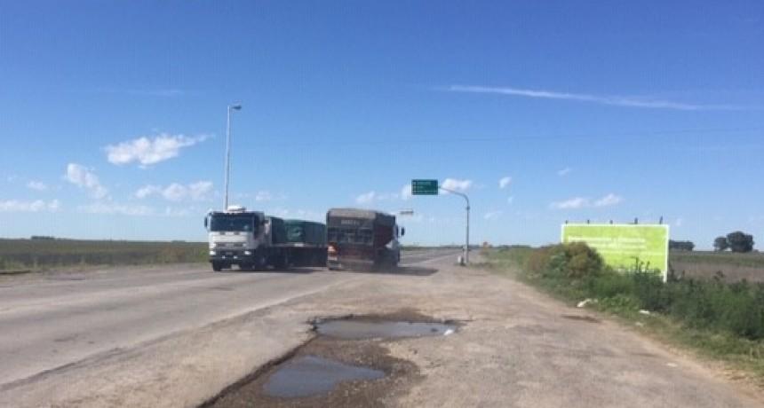 Intenso tránsito en Ruta 51 y 205 debido al corte del puente sobre Río Salado