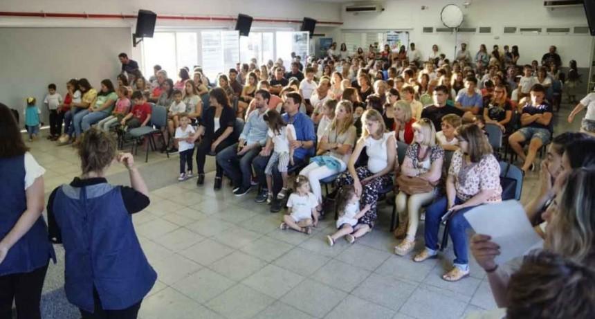 Más de 100 niños/as egresaron de los Jardines Maternales Municipales