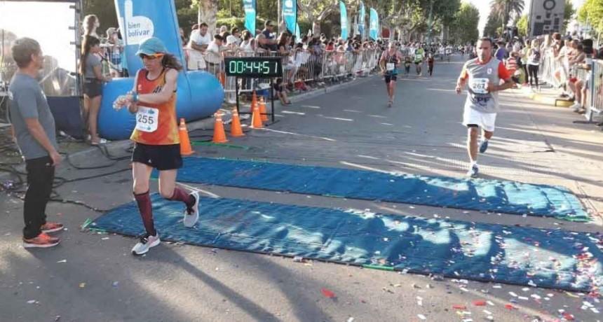 Lorena Juárez: 'Entrenar todo el año para terminar bien esta carrera y lograrlo me hace muy feliz'