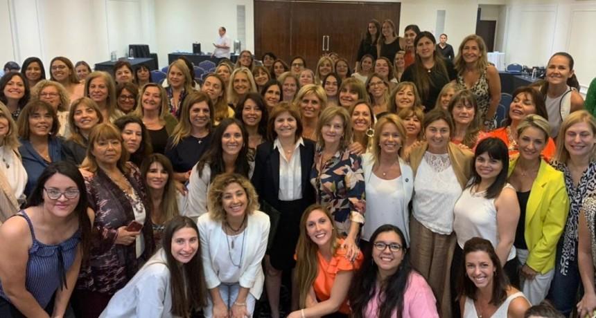 Sandra Santos participó del Encuentro Nacional del PRO Mujeres