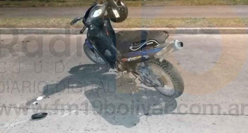 Dos jóvenes hospitalizadas por prevención luego de caer de su moto; Habría impacto con un equino