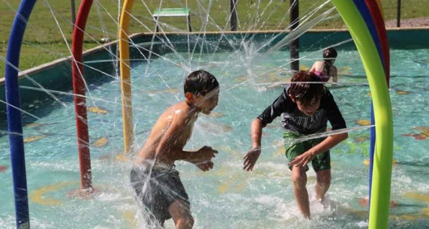 Desde el 2 de enero niños y niñas de los barrios podrán disfrutar del Parque Acuático Municipal